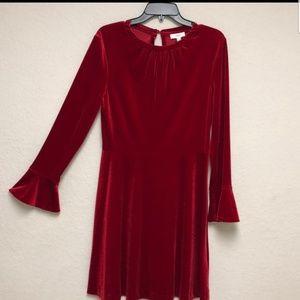 Beautiful red dress. Semi-formal /Formal.